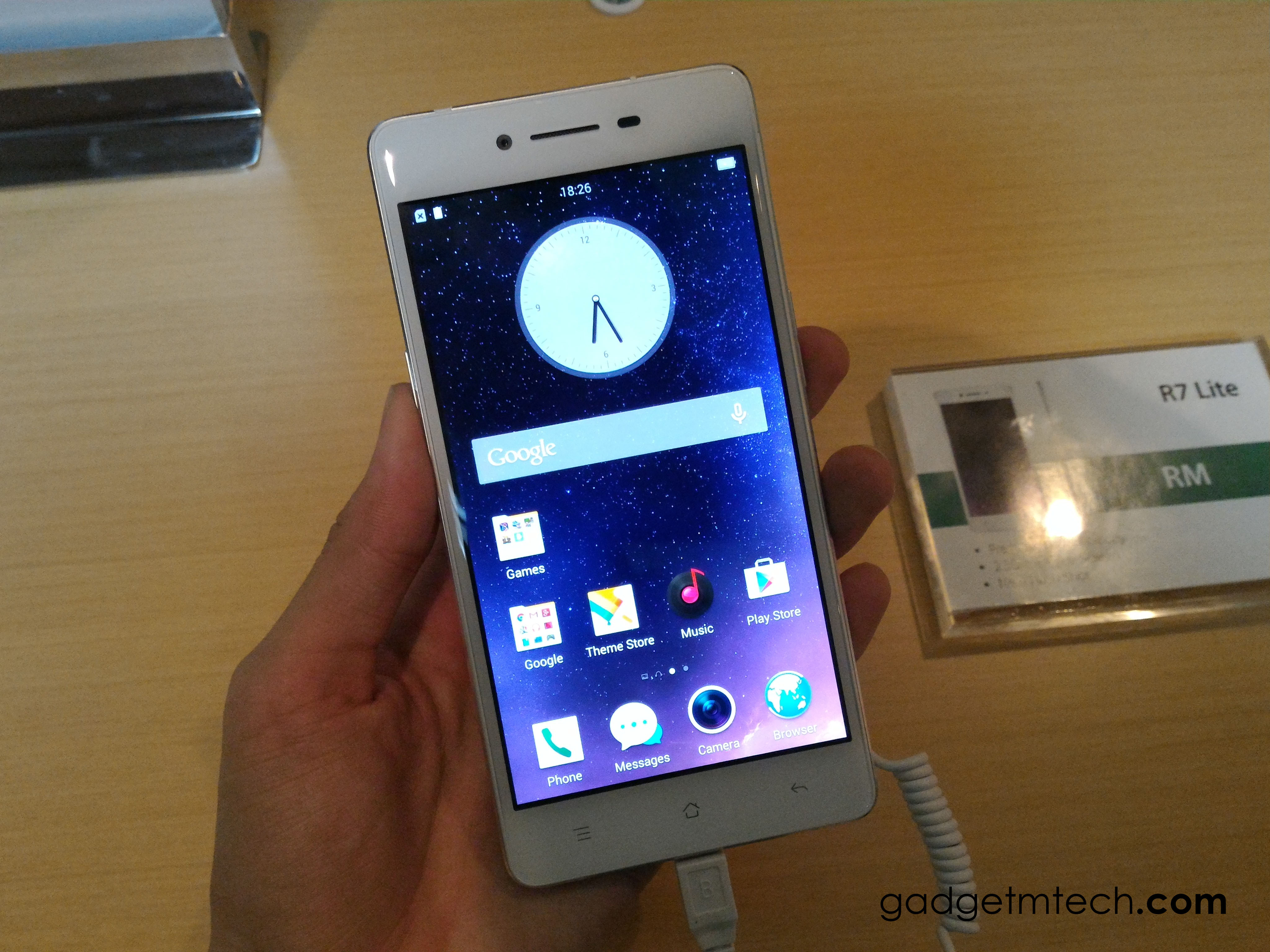 OPPO R7 Lite Hands-on - 1