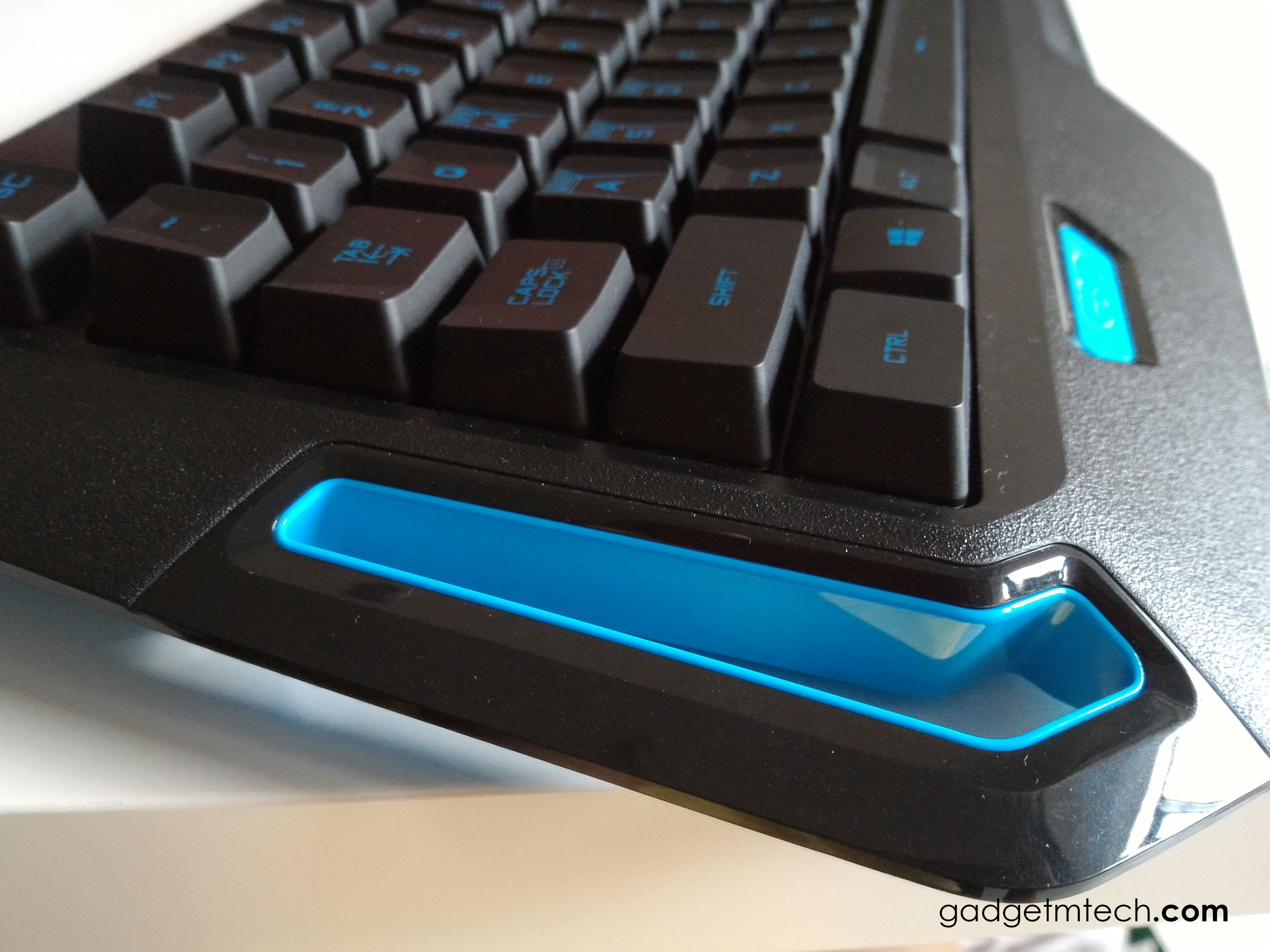 Logitech G310 Atlas Dawn Review_3