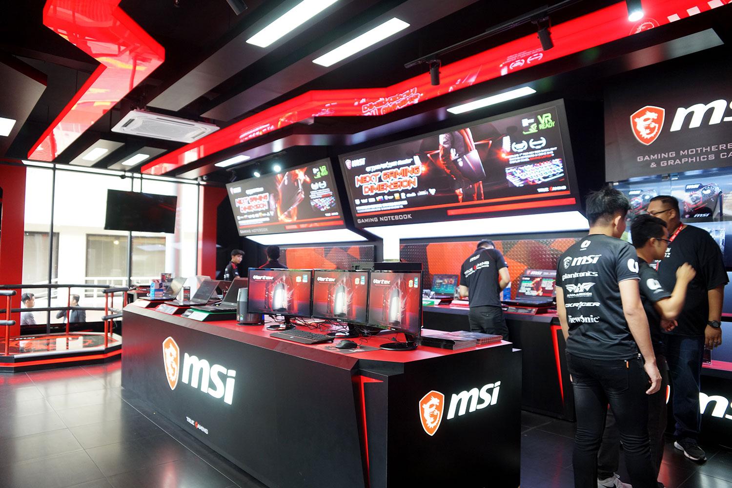 MSI World's Largest Concept Store Grand Opening_5