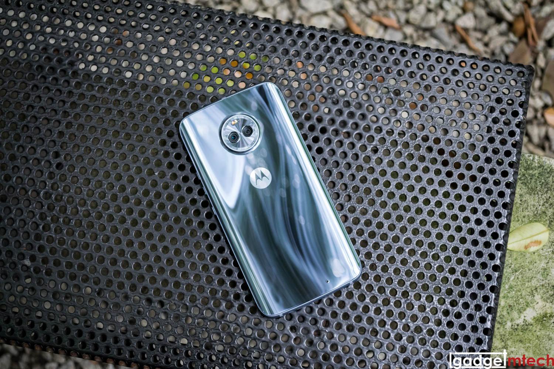 Moto X4_2