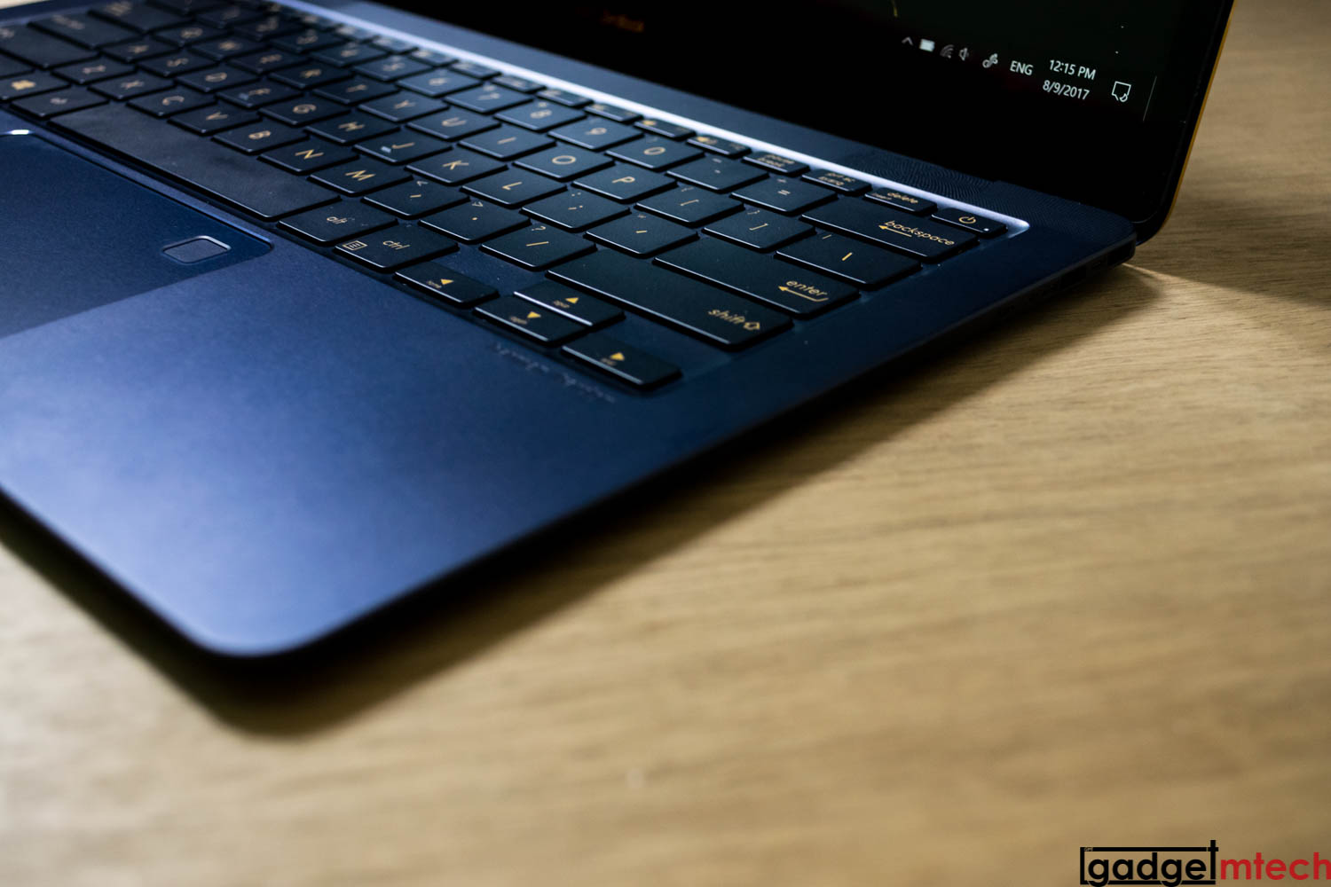 ASUS ZenBook 3 Deluxe Review: Thin Luxury — GadgetMTech