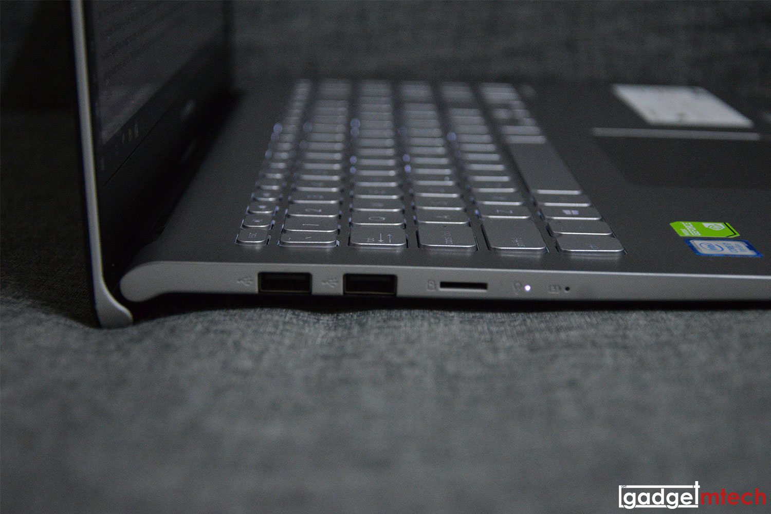 ASUS VivoBook S15 (S530) Review: Affordable with Style